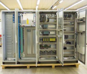 Réajustement du système de contrôle de turbines à gaz ou de turbines à vapeur